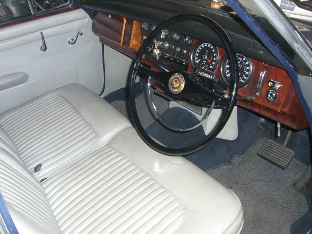 DAIMLER V8 ダイムラー 新車 中古車 デソート